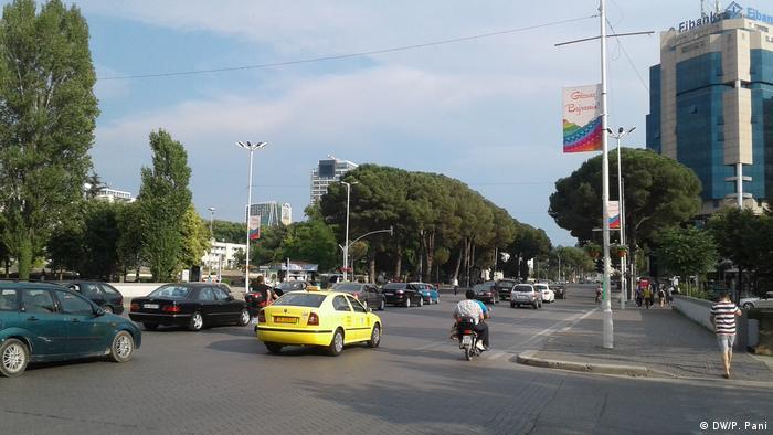 Albanien Tirana Parlamentswahlen (DW/P. Pani)