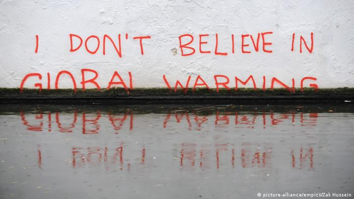 New Banksy artwork highlighting global warming. Photo credit: picture-alliance/empics/Zak Hussein.