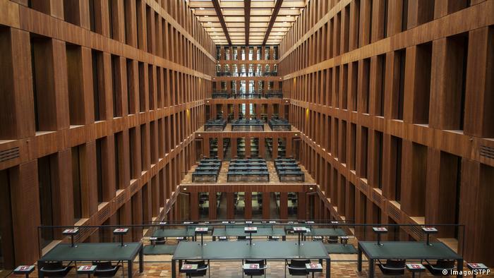 Berlin - Lesesaal, Zentralbibliothek der Humboldt-Uni Jacob-und-Wilhelm-Grimm-Zentrum