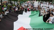 Deutschland Al-Kuds-Tag in Berlin | anti-israelische Demonstration (picture-alliance/dpa/J. Carstensen)