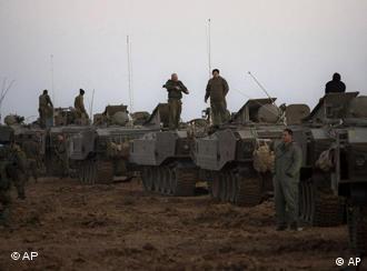 Tentara Israel di perbatasan Israel dan Gaza