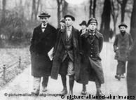 Imagen del político Karl Liebknecht durante un paseo por el Tiergarten, en 1918.