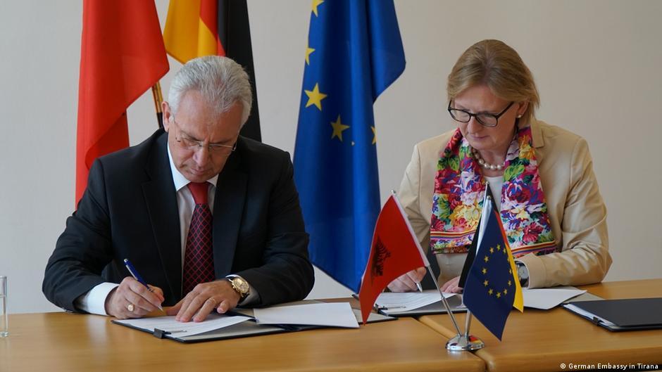 Susanne Schütz   Zgjedhjet e lira dhe të ndershme   gur kilometrik në rrugën e Shqipërisë drejt BE