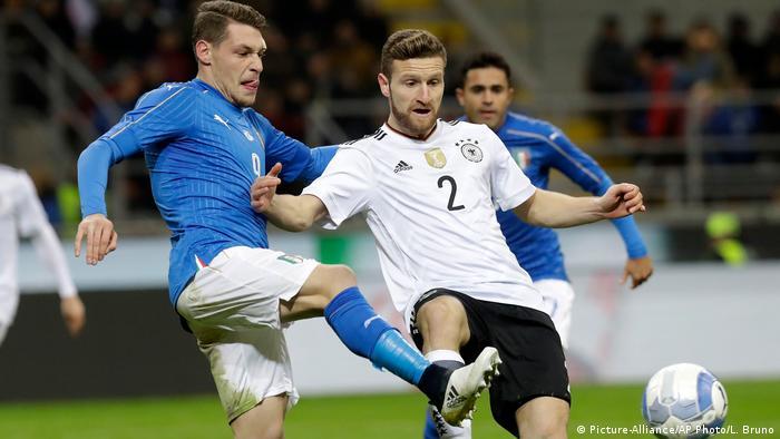 Shkodran Mustafi (mes) - jo në Kombëtaren gjermane për Kampionatin Botëror