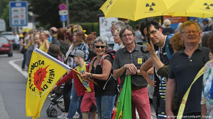 Demonstration gegen belgische Meiler im Juni 2016 bei Aachen