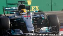 Aserbaidschan Formel 1 Lewis Hamilton in Baku (picture-alliance/AP Photo/D. Bandic)