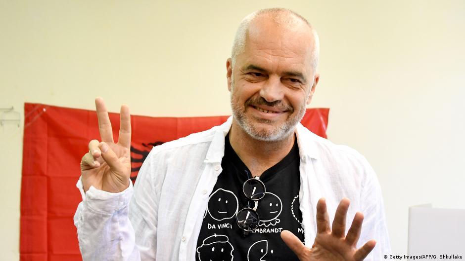 Партијата на Рама пред убедлива победа на изборите во Албанија