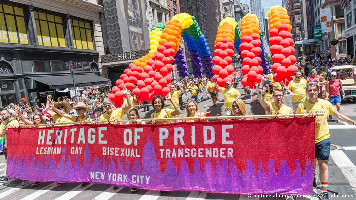 USA Gay Pride in New York (picture-alliance/Zumapress/A. Lohr-Jones)