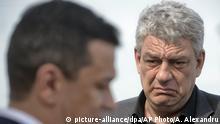 Der wahrscheinlich neue Regierungschef Tudose (r.) und sein gestürzter Vorgänger Grindeanu