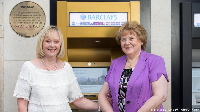 Grobritannien London Geburtstag Geldautomat (picture-alliance/PA Wire/D. Parry)