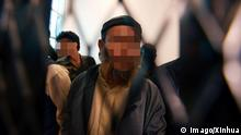 Bildnummer: 59178131 Datum: 05.02.2013 Copyright: imago/Xinhua (130205) -- SANAA, Feb. 5, 2013 (Xinhua) -- A Yemeni man suspected to be linked to al-Qaida group stands behind bars as he attends a trial at the state security court in Sanaa, Yemen, on Feb. 5, 2013. The Yemeni security court on Tuesday sentenced three al-Qaida suspects to up to six years in prison for joining al-Qaida network and plotting attacks against local and foreign interests in the Arab country, state media reported. (Xinhua/Mohammed Mohammed) YEMEN-AL-QAIDA-JAIL PUBLICATIONxNOTxINxCHN Politik Terror Gefangene Gefängnis Verdächtige Terroristen Rebellen Qaida xas x0x 2013 quer Aufmacher premiumd 59178131 Date 05 02 2013 Copyright Imago XINHUA Sanaa Feb 5 2013 XINHUA a Yemeni Man suspected to Be Linked to Al Qaeda Group stands behind Bars As he Attends a Trial AT The State Security Court in Sanaa Yemen ON Feb 5 2013 The Yemeni Security Court ON Tuesday Sentenced Three Al Qaeda suspects to up to Six Years in Prison for Joining Al Qaeda Network and plotting Attacks against Local and Foreign Interests in The Arab Country State Media reported XINHUA Mohammed Mohammed Yemen Al Qaeda Jail PUBLICATIONxNOTxINxCHN politics Terror Prisoners Prison Suspects Terrorists Rebels Qaeda x0x 2013 horizontal Highlight premiumd