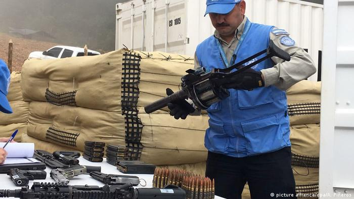 A UN observer during Colombia's disarmament. (picture alliance/dpa/A. Piñeros)