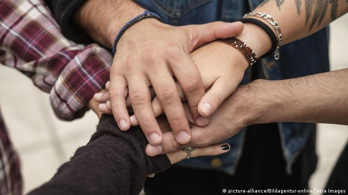 Symbolbild Freundschaft (picture-alliance/Bildagentur-online/Tetra Images)