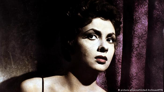 Film still Dangerous Beauty, featuring Gina Lollobrigida (picture-alliance/United Archives/IFTN)
