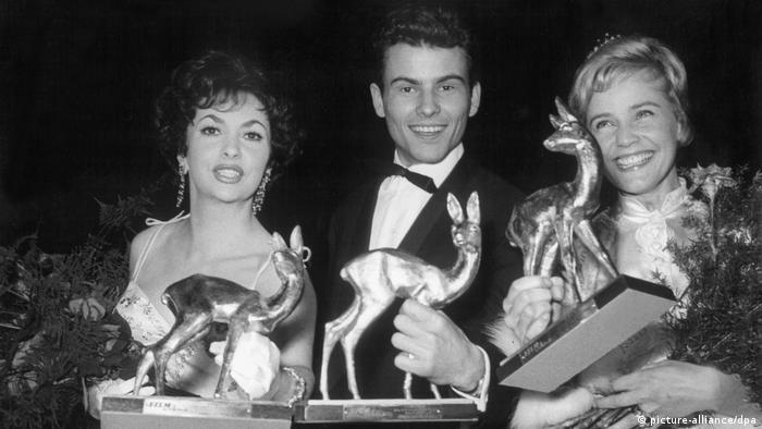 Лауреаты премии Bambi 1958 - Лоллобриджида, Хорст Буххольц и Мария Шель