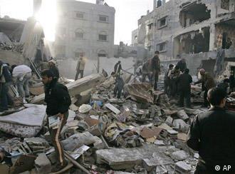 Фосфорните бомби причиняват ужасни изгаряния и мъчителна смърт