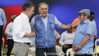Juan Manuel Santos, Jean Arnault, Rodrigo Londono during FARC Event