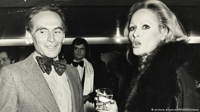 Pierre Cardin and Ursula Andress 1975 (picture alliance/IMAGNO/Votava)