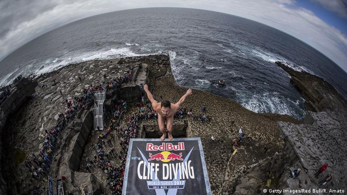 Sportfoto des Monats Juni Red Bull Cliff Diving World Series 2017 (Getty Images/Red Bull/R. Amato)