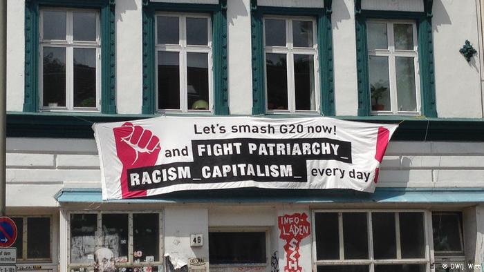 Deutschland Pflegeheim und ältere Menschen inmitten der G20-Proteste in Hamburg Deutschland Pflegeheim und ältere Menschen inmitten der G20-Proteste in Hamburg