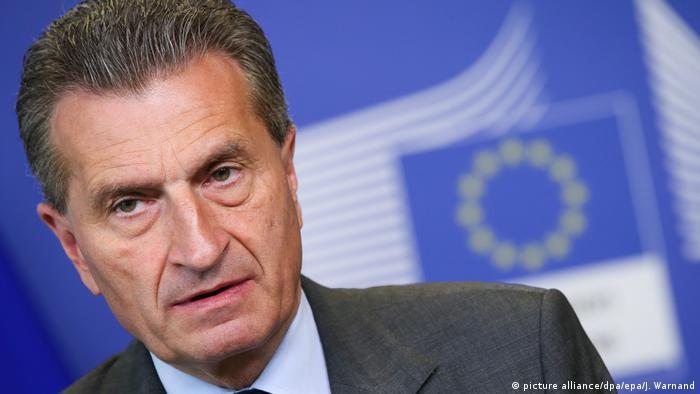 Komisarz UE Guenther Oettinger: martwimy się o Polskę i Węgry