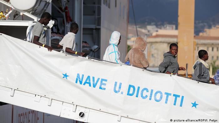 Italien Droht Mit Abweisung Von NGO-Schiffen