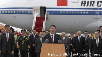 China Xi Jinping in Hongkong (picture-alliance/AP/dpa/K. Cheung)