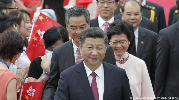 China Xi Jinping in Hongkong (picture alliance/AP Photo/K. Cheung)