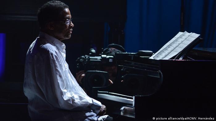 Der US-Musiker Herbie Hancock am Piano