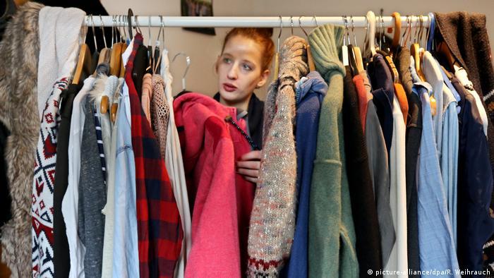Minimalismus in der Mode - Kauft nichts! (picture-alliance/dpa/R. Weihrauch)