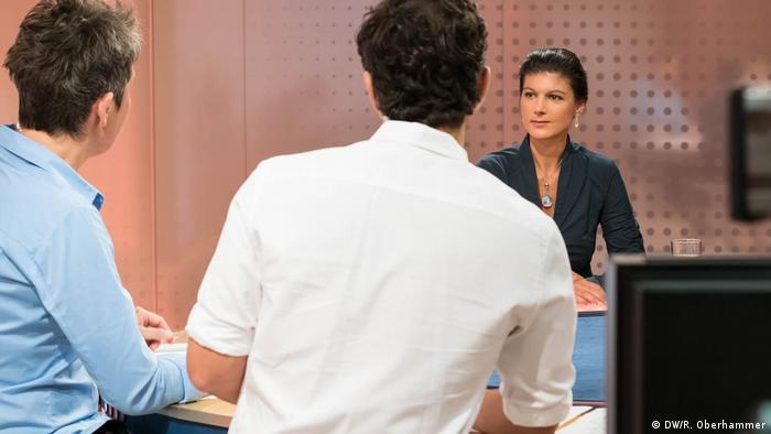 DW Interview Sahra Wagenknecht und Jaafar Abdul-Karim (DW/R. Oberhammer)