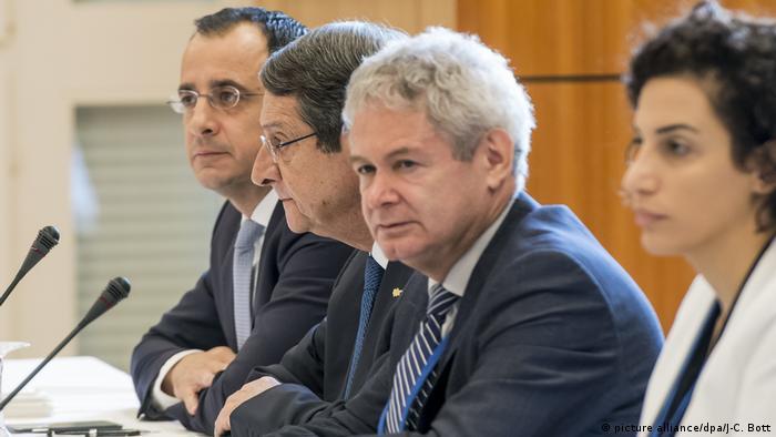 Internationale Konferenz zur Wiedervereinigung Zyperns (picture alliance/dpa/J-C. Bott)