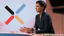 Ines Pohl und Jaafar Abdul-Karim interviewen Sahra Wagenknecht für die Deutsche Welle