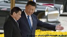 China Präsident Xi Jinping und Präsident Rodrigo Duterte (picture-alliance/AP Photo/N. H. Guan)