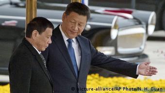 China Präsident Xi Jinping und Präsident Rodrigo Duterte
