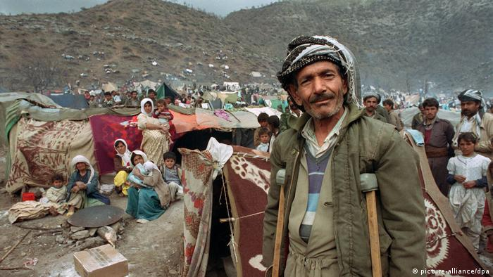 Irak Bürgerkrieg Kurdische Flüchtlinge (picture-alliance/dpa)
