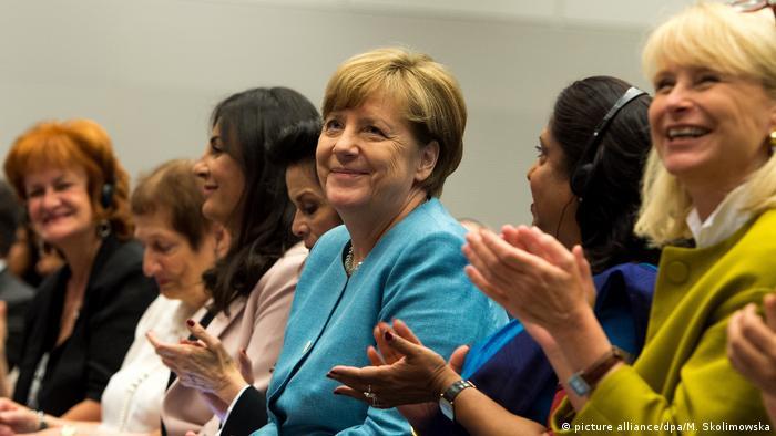 آنکلا مرکل در کنگره جنایات جنگی علیه زنان در سال ۲۰۱۷ در برلین