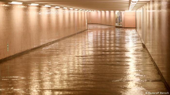 Вода у підземному переході Берліна