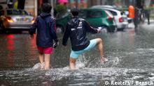Regen sorgt für Überflutungen in Berlin (Reuters/F.Bensch)