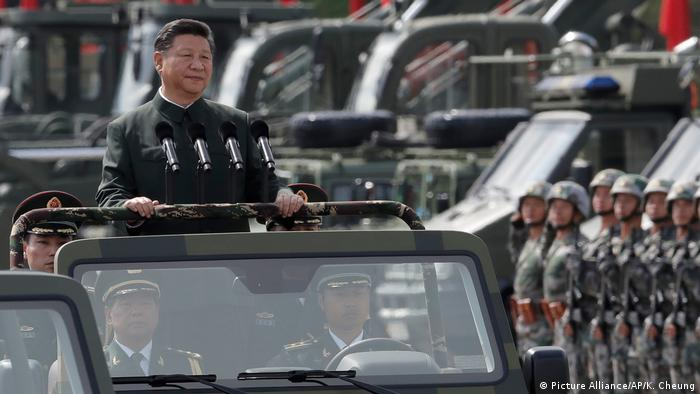 China Militär-Parade in Honh Kong für Xi Jinping (Picture Alliance/AP/K. Cheung)