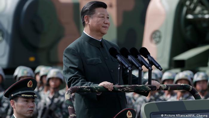 China Militär-Parade in Honh Kong für Xi Jinping (Picture Alliance/AP/K. Cheung)