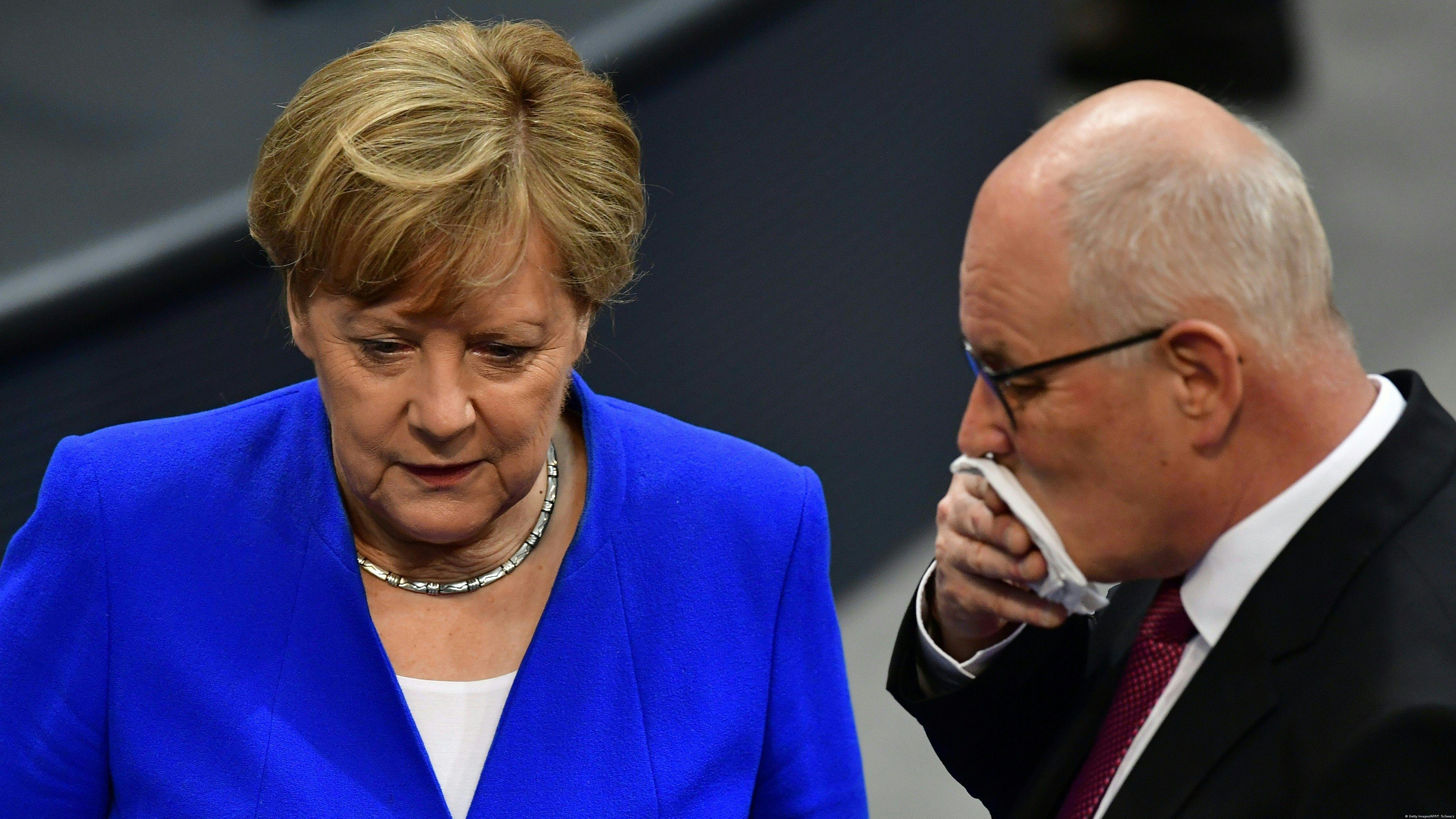 Almanya'da Merkel'in otoritesini sarsan siyasi deprem