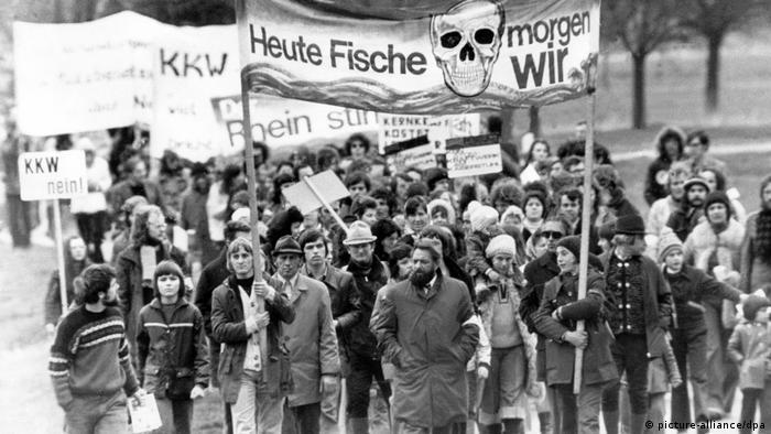 En febrero de 1975 hubo un punto de inflexión: en Wyhl, en el sur de Alemania, activistas ocuparon los terrenos donde se iba a construir una planta de energía nuclear. Wyhl se convirtió en un modelo de protesta.
