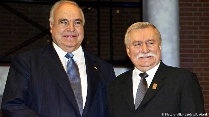 Były już prezydent Wałęsa i były kanclerz Niemiec Helmut Kohl (2004)