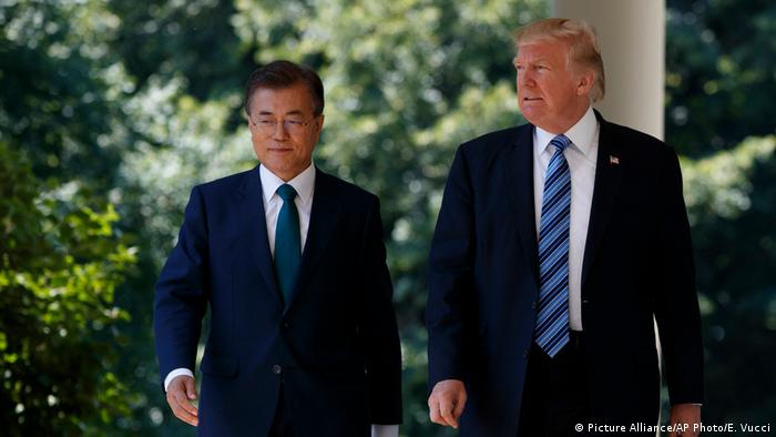 South Koren President Moon with US President Trump in Washington (Picture Alliance/AP Photo/E. Vucci)