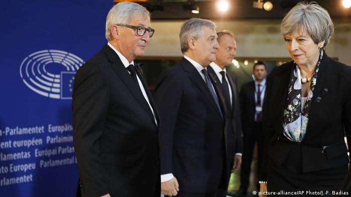 Trauerfeierlichkeiten für Altkanzler Kohl (picture-alliance/AP Photo/J.-F. Badias)