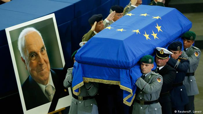 Trauerfeierlichkeiten für Altkanzler Kohl (Reuters/F. Lenoir)