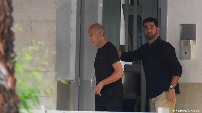 Ehud Olmert deixa a prisão em Israel