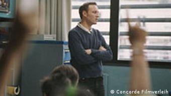 Lehrer am Fenster