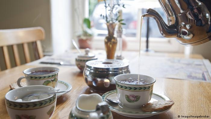 East Frisian tea culture (Imago/Imagebroker)
